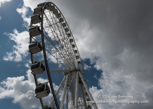 A Ferris Wheel in Brisbane, Australia near the river bank