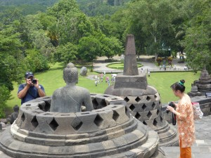 everyone wants a picture of Buddha!